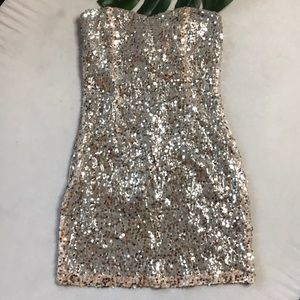 🔥5/$25🔥Sequin Holiday Dress